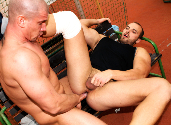 Out-In-Public-Tomm-and-Max-bareback-sex-uncut-cocks-Amateur-Gay-Porn-08 Amateur Muscle Jocks Barebacking In Public At An Indoor Tennis Court