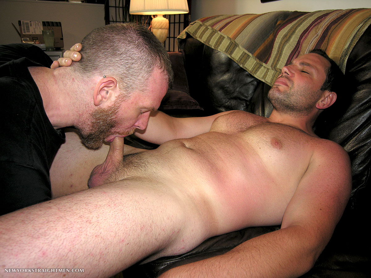 New-York-Straight-Men-Jack-and-Sean-Straight-Guy-Getting-Blowjob-From-Gay-Guy-Amateur-Gay-Porn-12 Bicurious Beefy NYC Guy Gets His First Blowjob From Another Guy