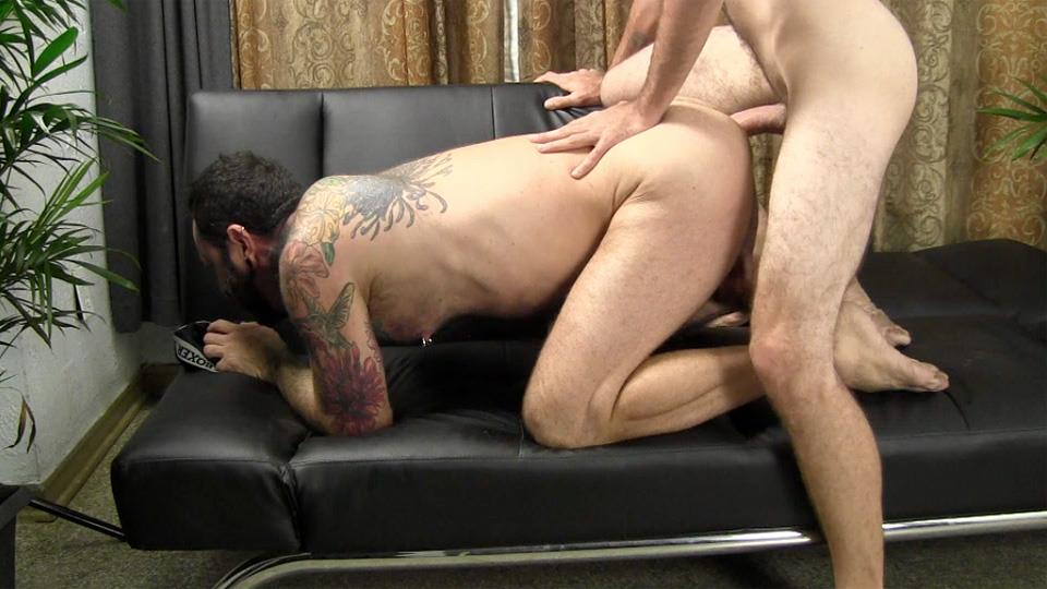 Straight-Fraternity-Reese-Straight-Young-Guy-Barebacking-a-Hairy-Muscle-Daddy-Amateur-Gay-Porn-22 Amateur Young Straight Guy Barebacks a Hairy Muscle Daddy