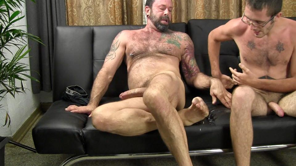 Straight-Fraternity-Reese-Straight-Young-Guy-Barebacking-a-Hairy-Muscle-Daddy-Amateur-Gay-Porn-27 Amateur Young Straight Guy Barebacks a Hairy Muscle Daddy