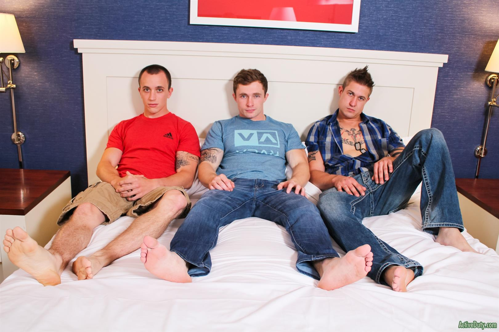 Active-Duty-Threeway-Army-Guys-Bareback-Sex-Video-Amateur-Gay-Porn-05 Big Dick Muscular Army Guys In A Bareback Threeway