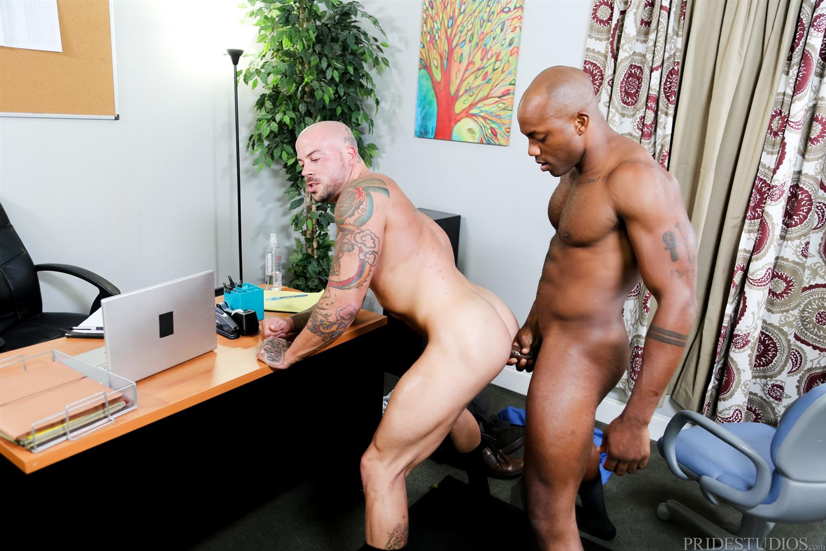 Sean Duran and Osiris Blade Extra Big Dicks Black Cock Interracial Amateur Gay Porn 15 White Muscle Hunk Takes A Big Black Cock Up The Ass During A Job Interview