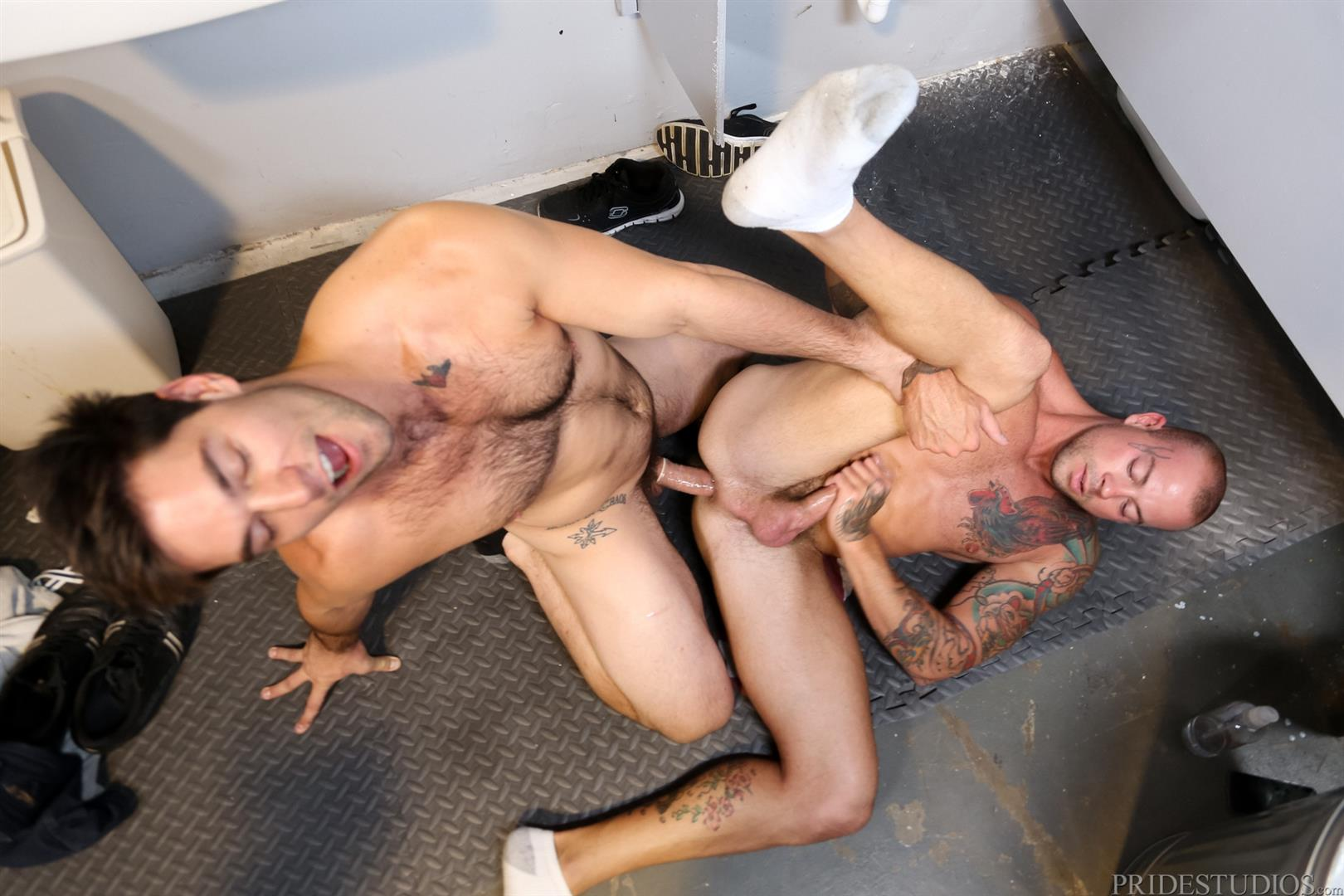 Extra Big Dicks Sean Duran Fucking Through A Glory Hole Amateur Gay Porn 15 Getting Fucked By A Big Fat Cock Through a Glory Hole