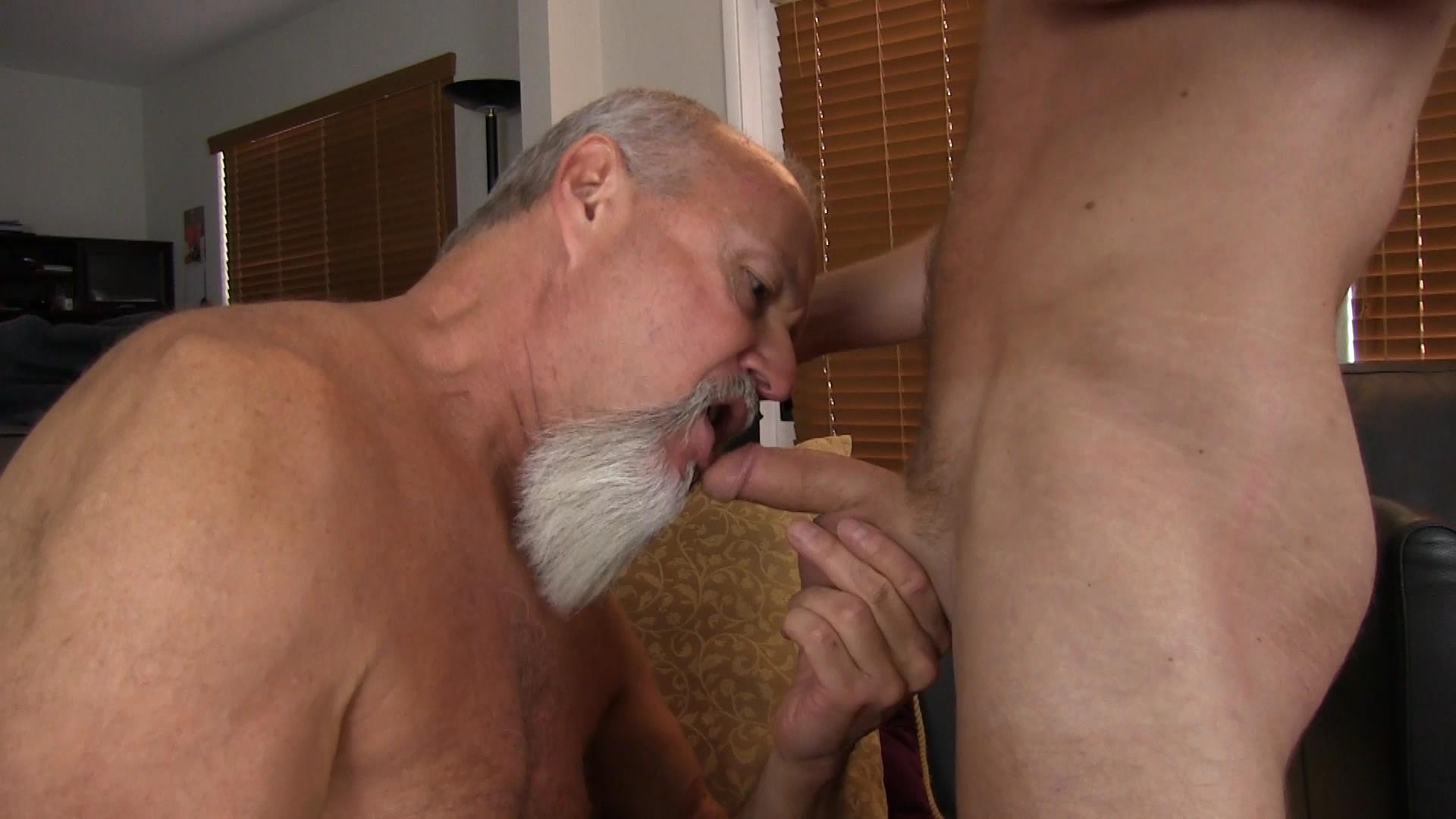 Bareback Me Daddy Silver Daddy Barebacks Younger Guy Amateur Gay Porn 03 Getting Barebacked By A Thick Daddy Dick