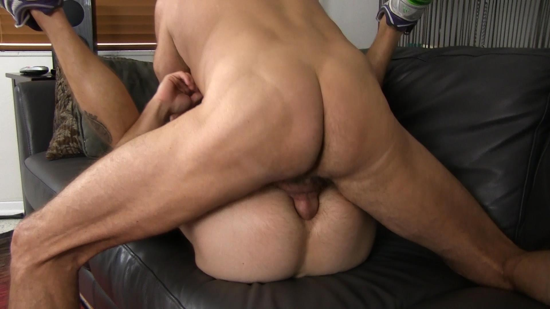 Bareback Me Daddy Silver Daddy Barebacks Younger Guy Amateur Gay Porn 24 Getting Barebacked By A Thick Daddy Dick