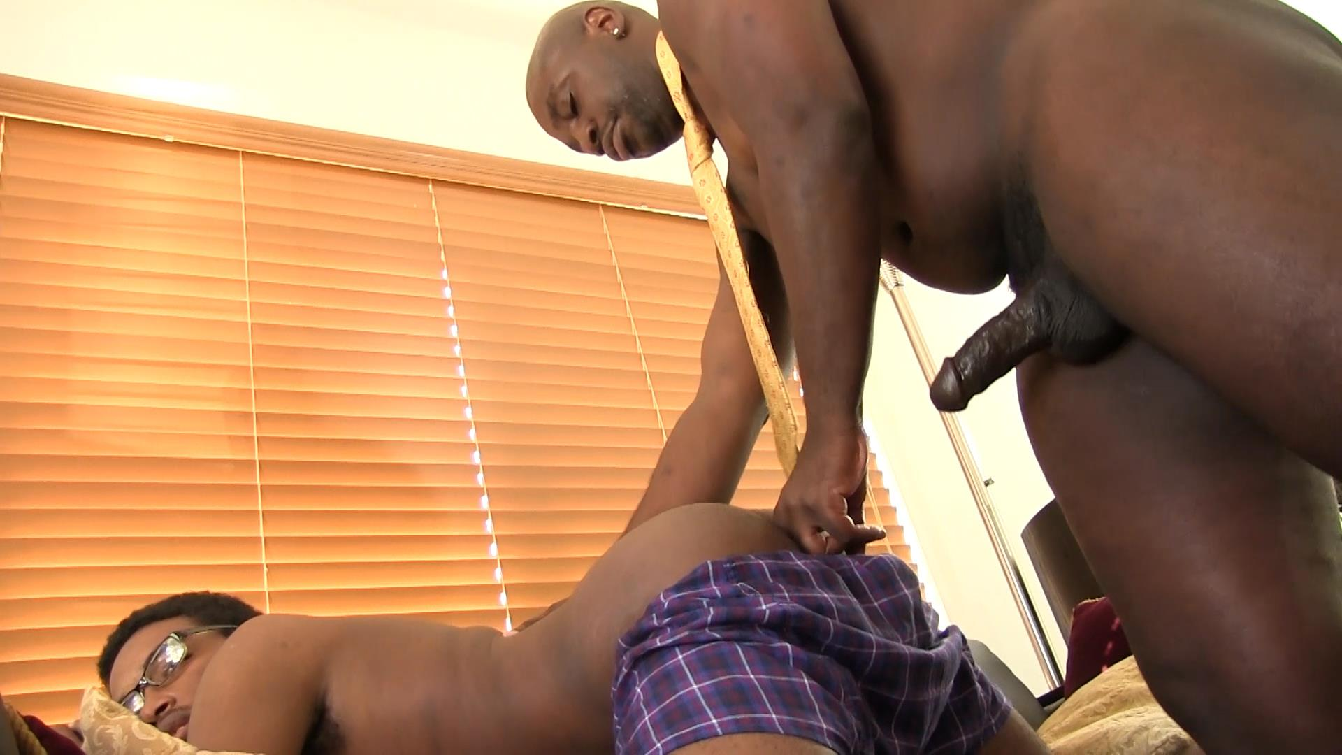 Bareback-Me-Daddy-Daemon-Sadi-and-Donny-Ray-Black-Daddy-Fucking-A-Twink-Bareback-Amateur-Gay-Porn-10 Black Daddy Barebacks His Black Twink With His Big Black Dick